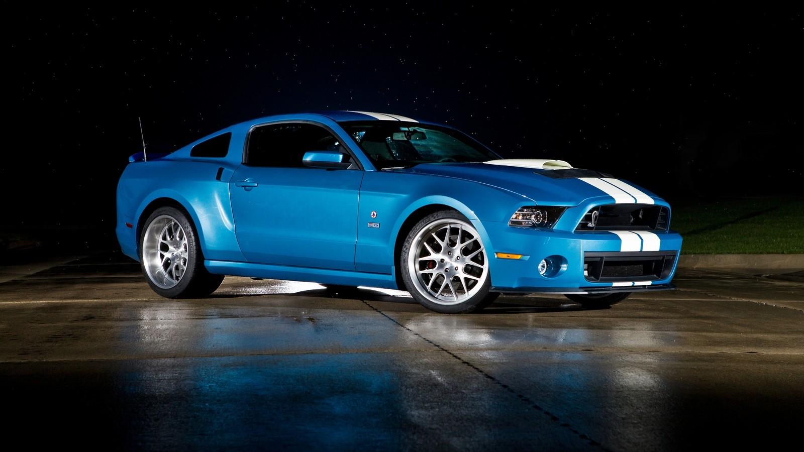 На фото: Shelby GT500 Cobra '2012