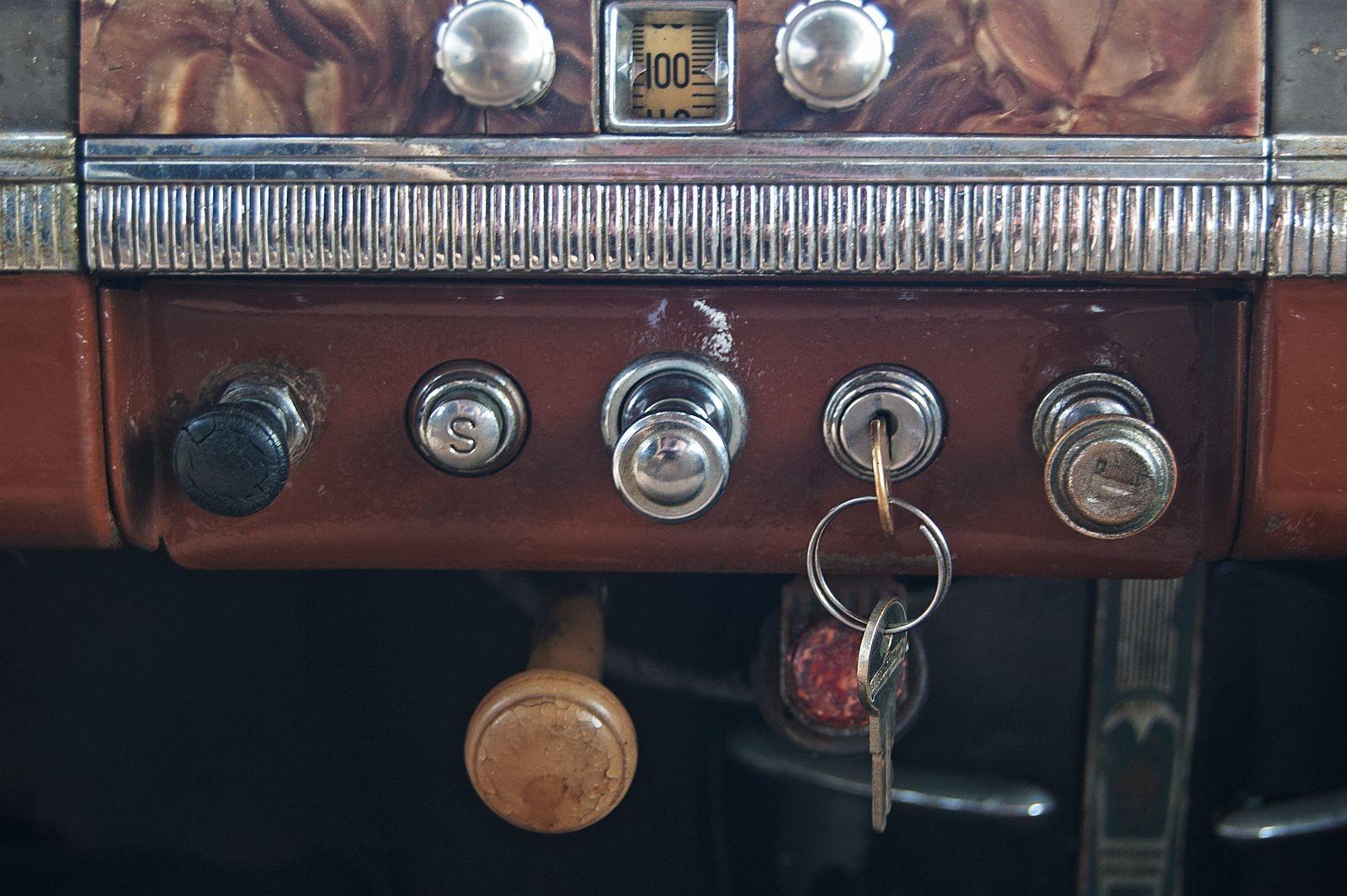 Тот самый конь в пальто: тест-драйв Packard 1700 Six de Luxe из фильма «Утомленные солнцем»