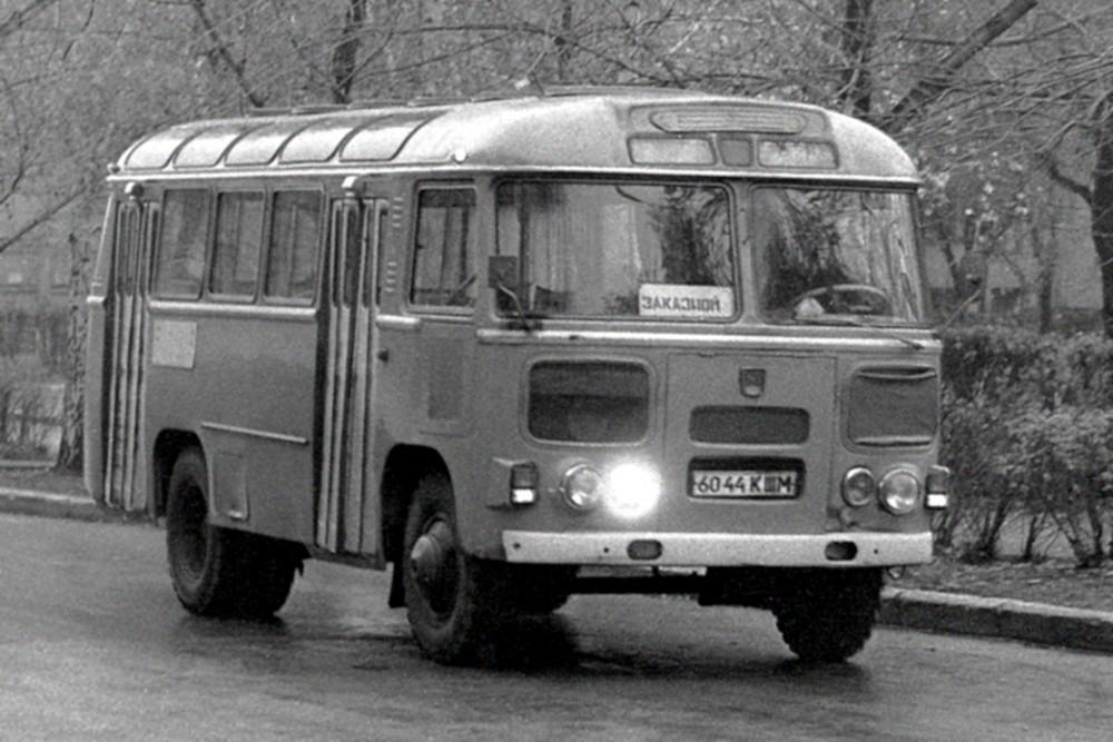 Когда деды были молоды: тест-драйв 29-летнего ПАЗ-3205