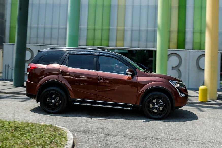 Mahindra XUV500 нового поколения: оптика в стиле Renault, «табло» в салоне и брат от Ford