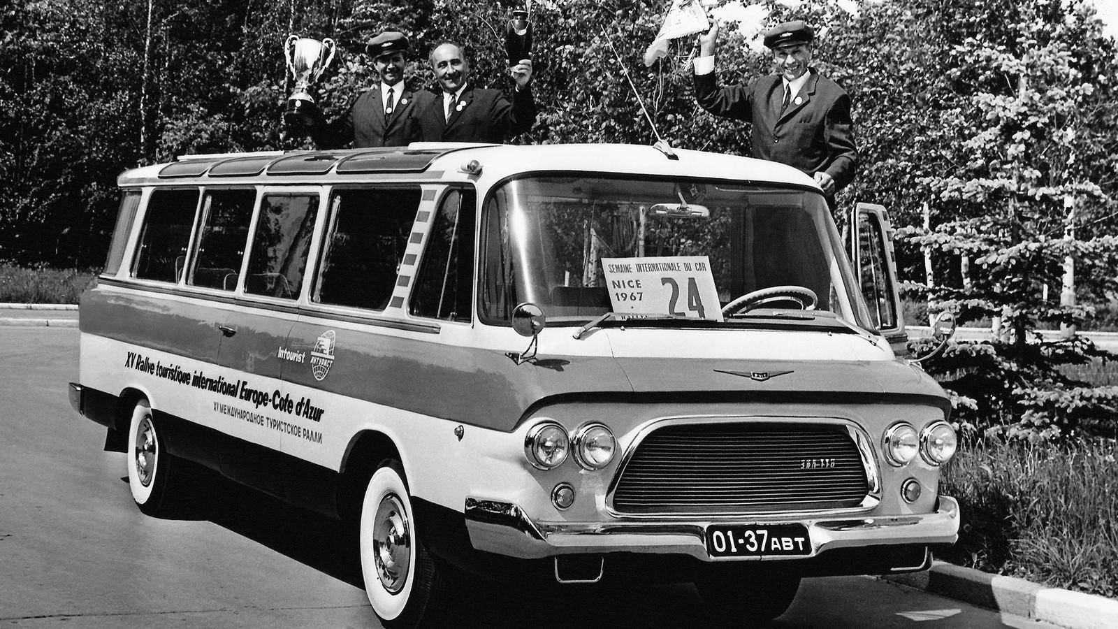 Зиловский микроавтобус стал настоящей звездой «автобусного салона»