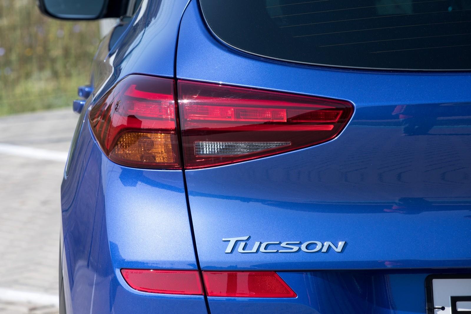 Hyundai_Tucson синий фара