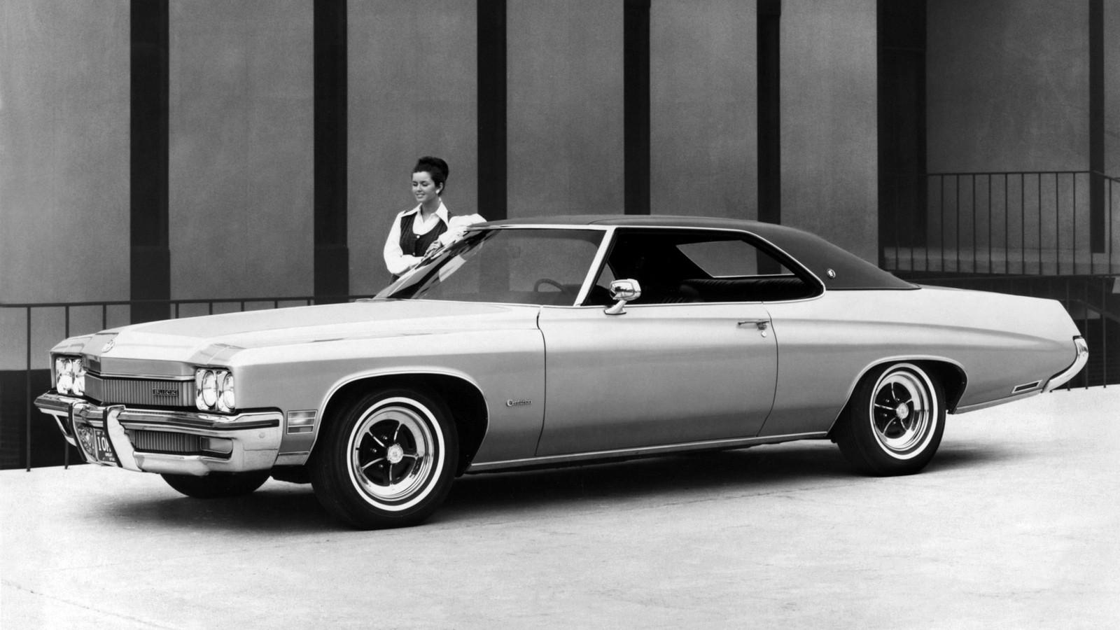 На фото: Buick Centurion 2-door Hardtop '1972