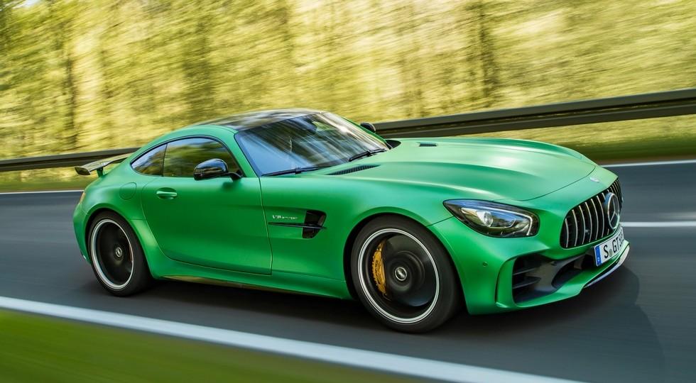 На фото: Mercedes-AMG GT R