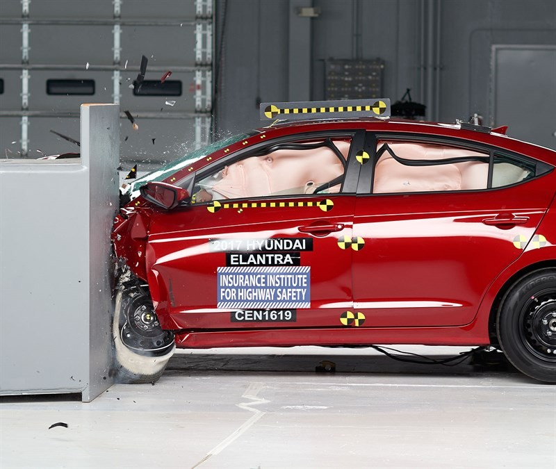 Hyundai Elantra краш тест