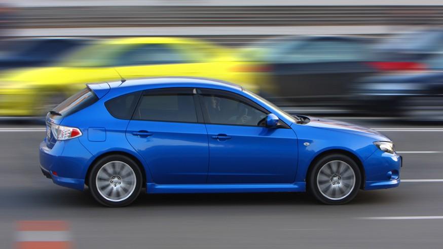 Можно побыстрее: максимально допустимую скорость на трассах в РФ могут повысить