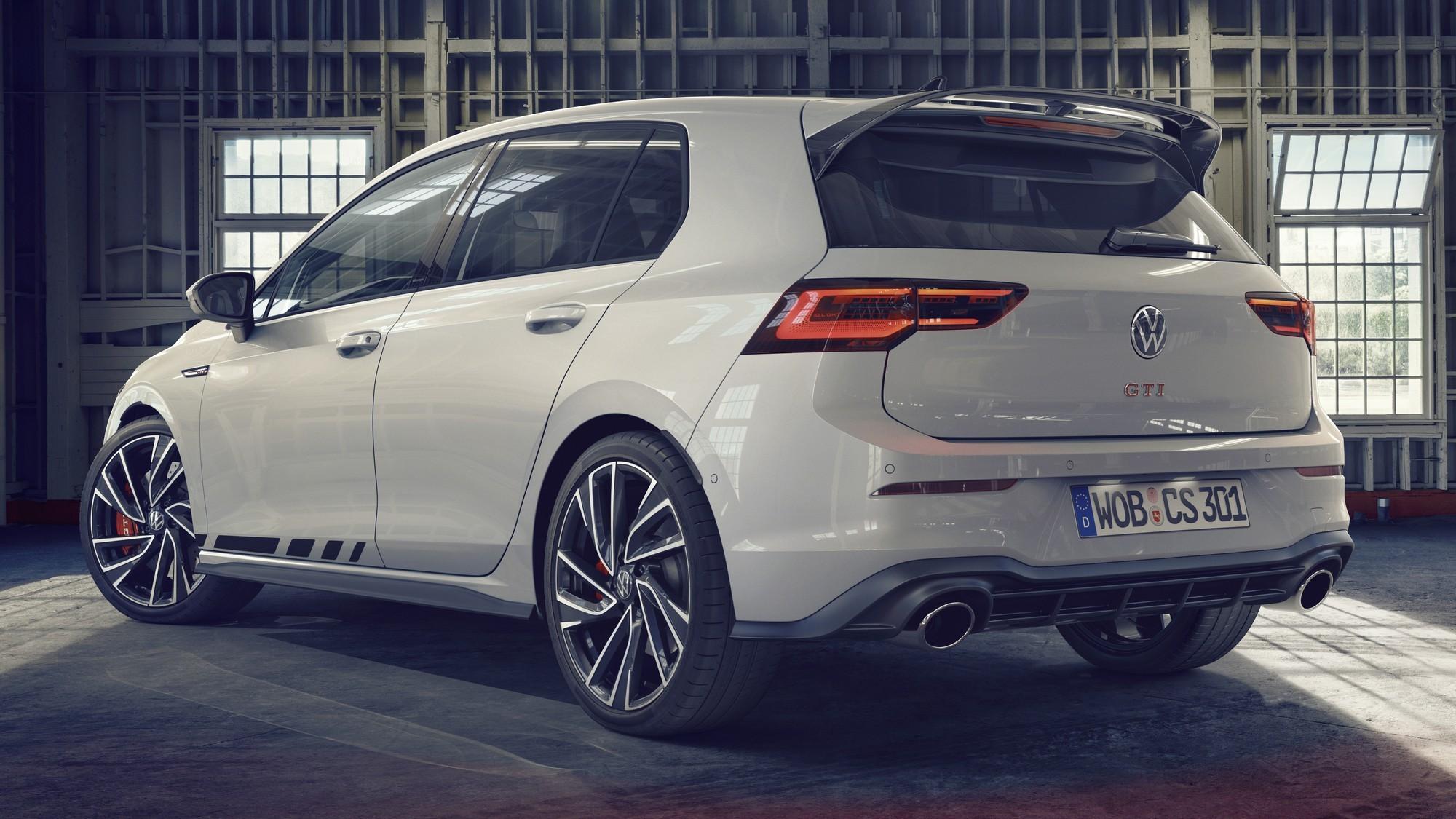 Новый VW Golf GTI Clubsport: 300 л.с., DSG и спецпрограмма для езды по Нюрбургрингу