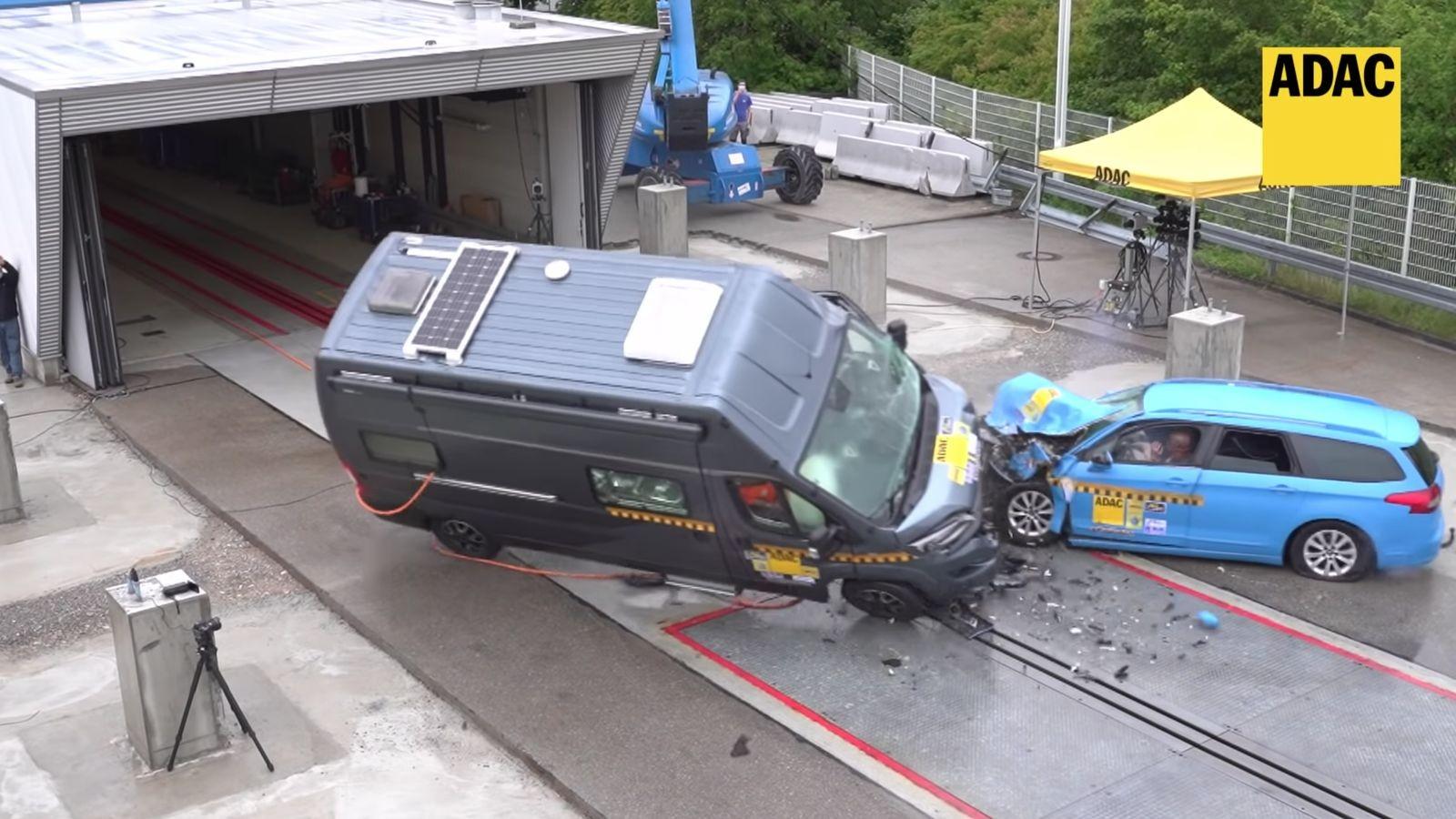 Новый краш-тест ADAC: автодом против легковушки. Шансов выжить почти нет