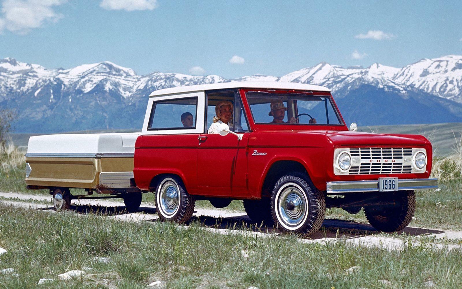 Ford Bronco первого поколения (1966 год)