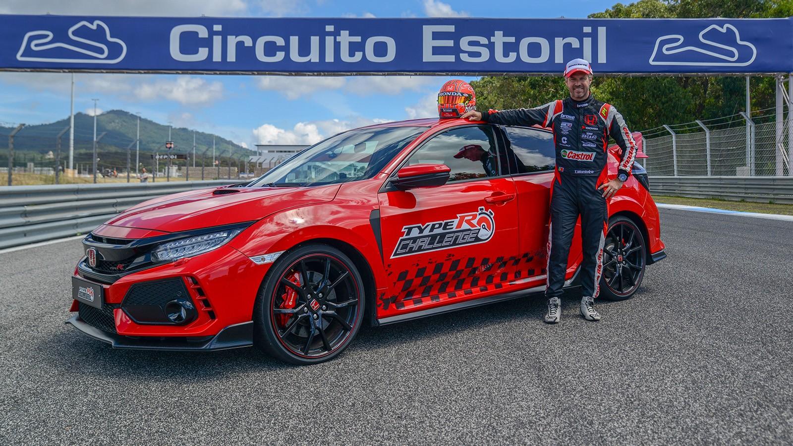 По словам Тьягу Монтейру, управлять Civic Type R — одно удовольствие, потому что нет ощущения, что это чисто спортивный автомобиль -