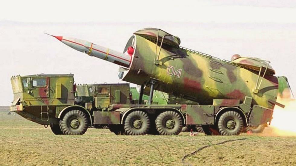 Запуск самолета Ту-143 с боевой машины комплекса «Рейс» (из архива Р. Данилова)