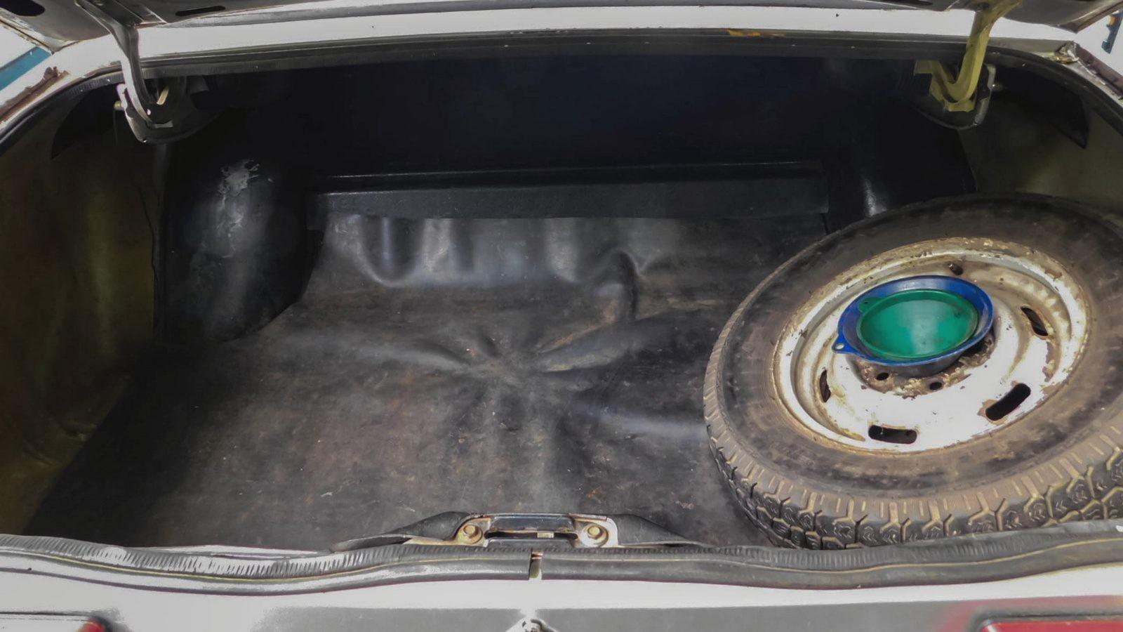 Москвич-2140 багажник