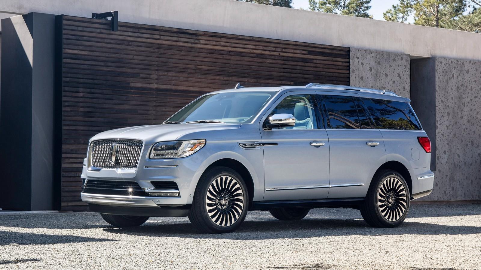 Стандартный Lincoln Navigator 2018-го модельного года