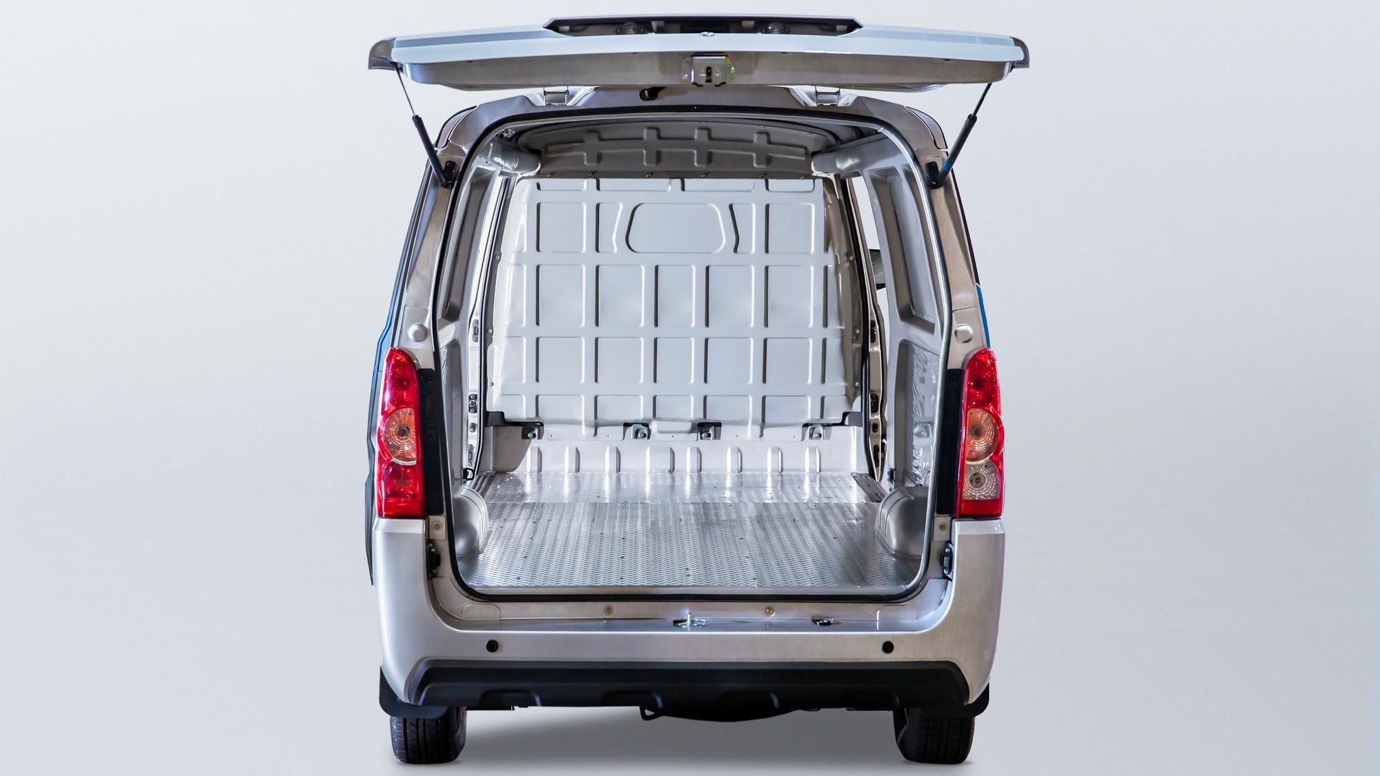 ELMS Urban Delivery: локализованный в США китайский фургон получил сменную батарею